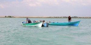 Beyşehir Gölü'ndeki balıkçılara destek