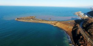 Denize günde 20 bin ton taş dökülüyor!