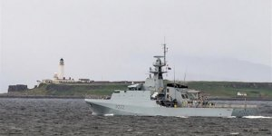 HMS Forth, donanmaya teslim edildi