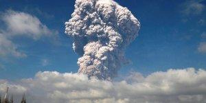 Sinabung Yanardağı kül püskürtmeye başladı!
