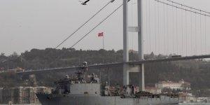 ABD'ye ait gemi İstanbul Boğazı'ndan geçti