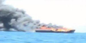 Somali açıklarında yük gemisinde yangın çıktı