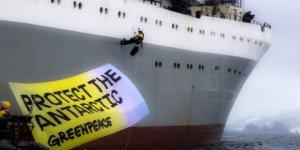 Greenpeace aktivistleri eylem yaptı