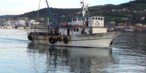 Ağ atarken denize düşen balıkçı aranıyor