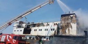 Zonguldak'ta, karaya oturan gemide yangın çıktı