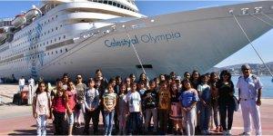 Öğrenciler kruvaziyer gemisini gezdi