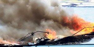 Bodrum'da yanan tekne battı