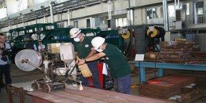 Gölcük Tersanesi'ne 390 işçi alınacak