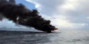 ABD'de tekne alev alev yandı