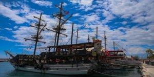 Antalya'da turistlerin vazgeçilmezi tur tekneleri