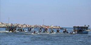 """""""Özgürlük Gemisi 2"""" İsrail tarafından durduruldu"""