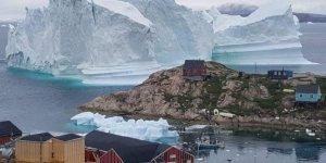 Grönland'da bir köy devasa buzdağının tehdidi altında