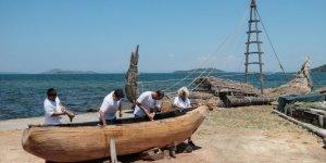 """Binlerce yıl öncesine ait teknikle """"ilkel tekne"""" yapıyorlar"""