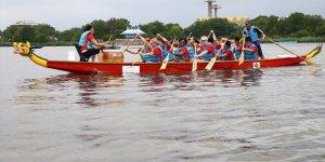 New York'ta ejderhalı tekne festivali heyecanı