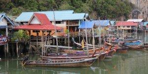 Deniz üzerinde kurulu balıkçı köyü: Koh Panyee