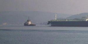 İstanbul Boğazı'nda gemi trafiği durdu!
