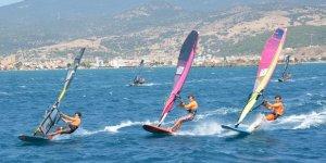 Rüzgar sörfü Dikili etabı nefesleri kesti