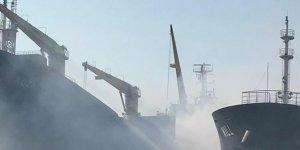 Söküme getirilen gemideki yangın halen devam ediyor
