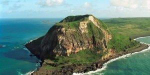 İwo Jima adasında deniz altında volkanik patlama
