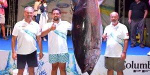 305 kiloluk orkinosla rekor kırdılar