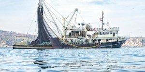 Balıkçılar hamsi avına hazırlanıyor
