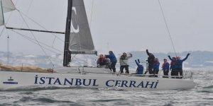 İstanbul Boğazı'nda yelken şöleni yaşandı