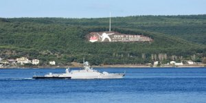 İki Rus savaş gemisi dönüş yolunda