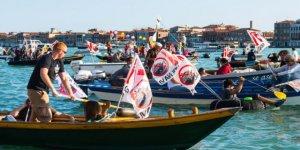 Venedik'te kruvaziyerlere karşı protesto