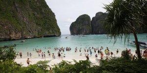 Tayland'daki Maya Koyu süresiz kapatıldı