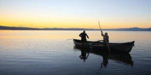 Balıkçı çift 15 yıldır beraber 'vira bismillah' diyor