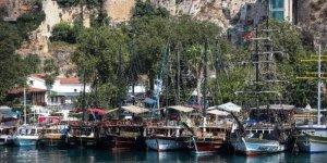 Antalya'da ticari teknelerde 'sörvey' hazırlığı