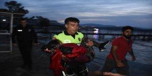 10 kişilik tekneye 30 kişi bindi, 2 göçmen öldü