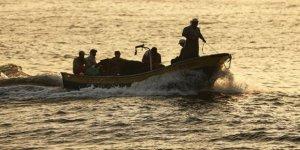 İsrail Filistinli balıkçıları gözaltına aldı