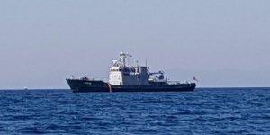 Yunan Askeri gemisi burnumuzun dibine kadar girdi