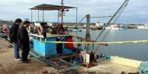 Balıkçı teknesinde boğazı kesilerek öldürüldü