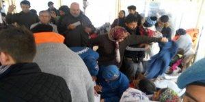 Ege Denizi'nde mahsur kalan göçmenler kurtarıldı