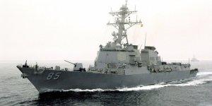ABD destroyeri Rus karasularına yaklaştı