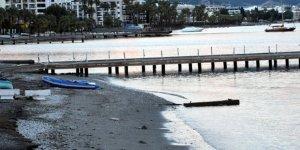 Marmarislileri korkutan deniz çekilmesi