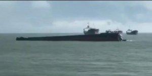 Malezya'da yük gemisi battı, 3 denizci kayıp