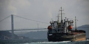 Karadeniz'de kargo gemisi karaya oturdu