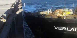 Karadeniz'de iki gemi çatıştı