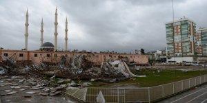 Antalya'yı hortum vurdu: Ölü ve yaralılar var