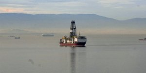Sondaj platformuna donanma refakat ediyor