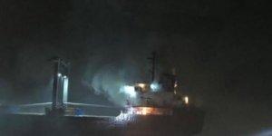 Venedik açıklarında kargo gemisi yandı