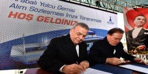 İzmir'e 2 iki yeni feribot için imzalar atıldı