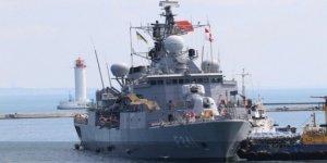 Türk savaş gemileri limanları ziyaret ediyor