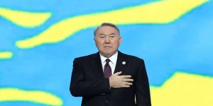Nursultan Nazarbayev, istifa etti