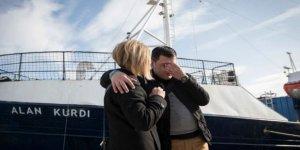 64 göçmenle 5 gündür Akdeniz'de dolaşıyor