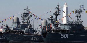 Rus gemilerinden NATO nöbeti