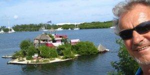 100 bin plastik şişeyle yüzen ada yaptı